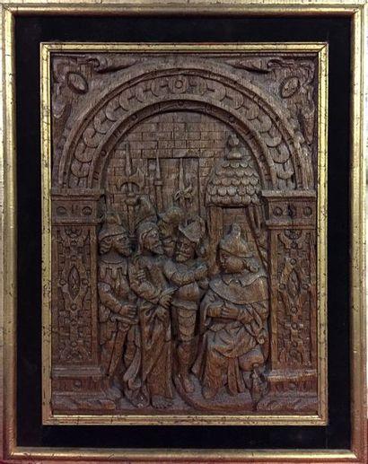 PAIRE DE PANNEAUX en chêne sculptés en bas-relief...