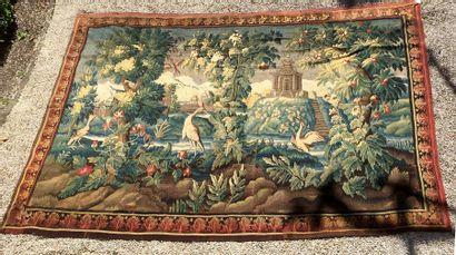 AUBUSSON Verdure animée aux oiseaux et à la pagode. XVIIIème siècle 204 x 406 c...