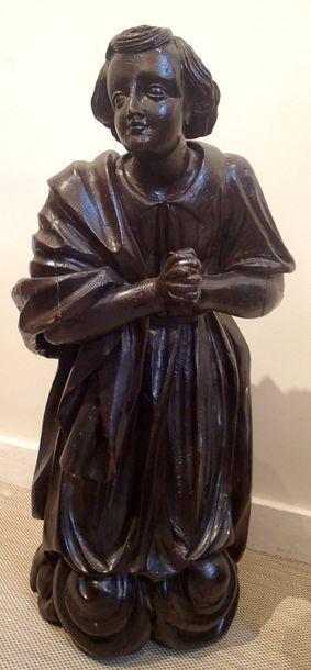 PAIRE D'ANGES ADORATEURS en bois sculpté...