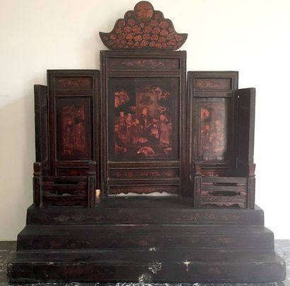 CHINE Temple ou Autel de divinités en bois...