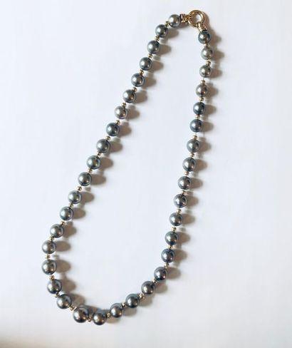 COLLIER alternant perles de Tahiti au nombre...