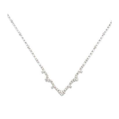 COLLIER en or gris 750 millièmes et diamants,...