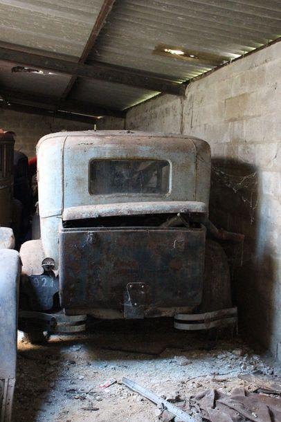 Ford A Coach Sans Carte Grise, à immatriculer en collection. Notre modèle est une...