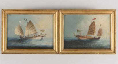 CHINE Jonques avec marins en mer de Chine...