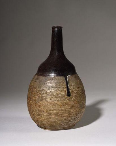 JAPON Fours de MINO : Bouteille à saké en...