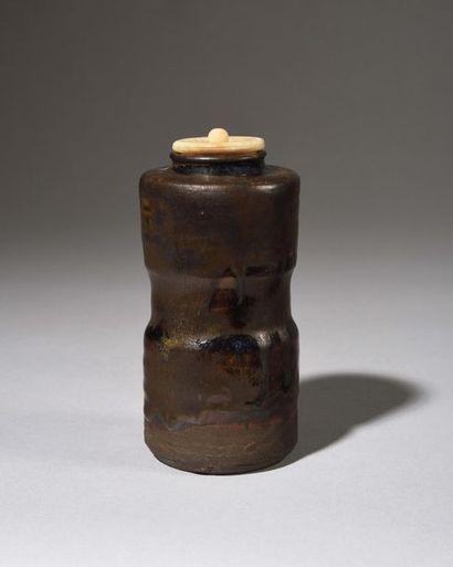 JAPON, Fours de SETO : Pot à poudre de thé...
