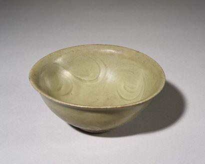 CHINE : Bol circulaire en grès porcelaineux...