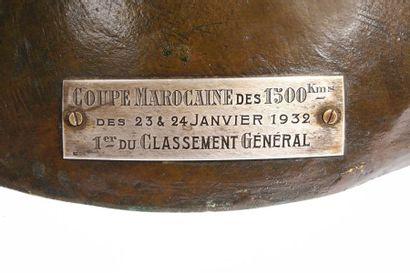 Prouesse Trophée en bronze signé Ch. Soudant, cire perdue du fondeur Susse Frères...
