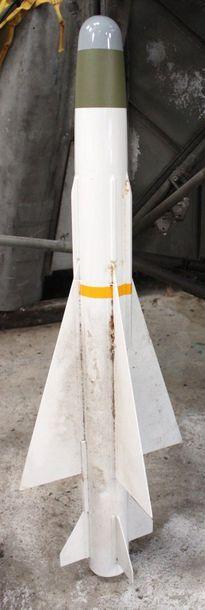 Maquette - Bombe LACROIX    Maquette de bombe...