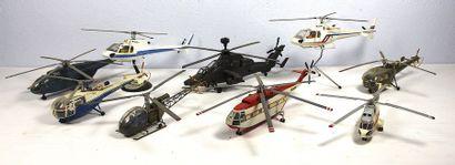 Modèles HELICOPTERES    Neuf maquettes et...