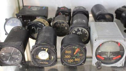 Lot d'instruments de vol - Lot n°1  Lot de...