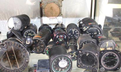 Instruments pour avions à HELICES & TURBINES...