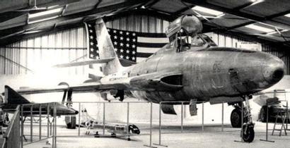 Avion -REPUBLIC RF- 84 F    Dès 1944 un...