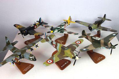 Six Maquettes - Lot n°1    Six maquettes...