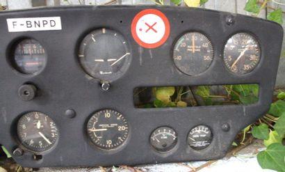 Tableau de Bord -CESSNA 180 A    Tableau de bord destiné à un avion de tourisme...