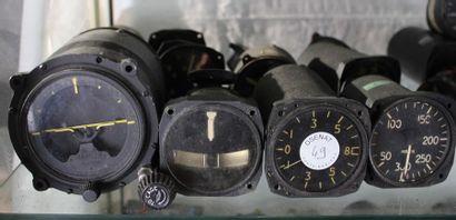 Instruments pour avions à HELICES    Lot...