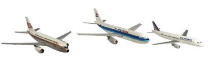 Maquettes - AIRBUS A Série 300    Maquettes d'Airbus aux couleurs de compagnies....