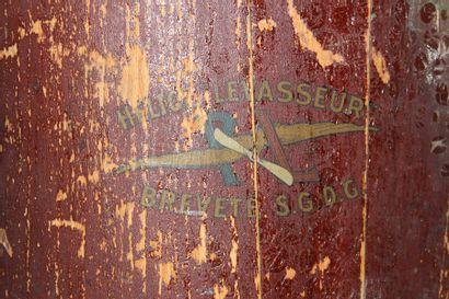 Demi hélice - LEVASSEUR    Demi hélice, pale en bois latté, de marque Levasseur,...