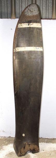 Demi hélice - Laquée TONKILAQUE    Grande demi hélice, pale en bois latté à bord...