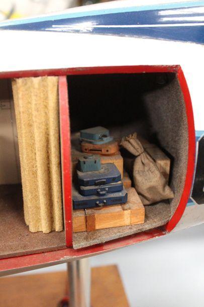 Maquette d'agence AIR FRANCE - VICKERS VISCOUNT 708    Maquette, écorché en bois...
