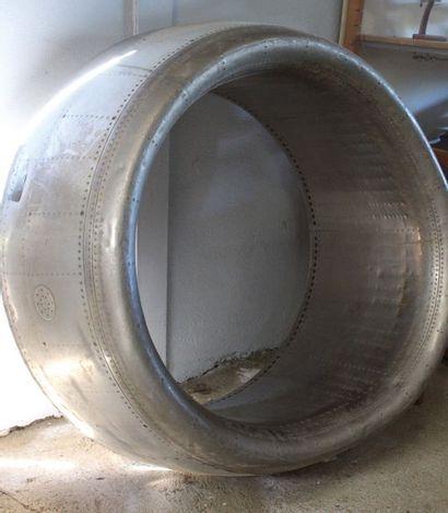 Entrée D'Air    Grande entrée d'air de réacteur...