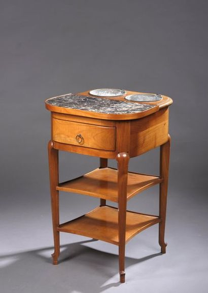 Table rafraîchissoir en merisier ouvrant à un tiroir en ceinture, le plateau à demi...