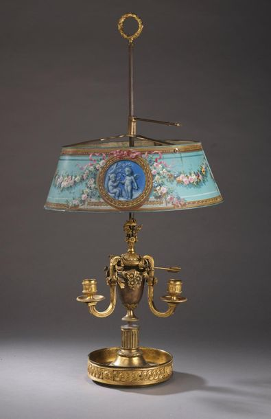 Lampe de bouillote en bronze ciselé et doré...