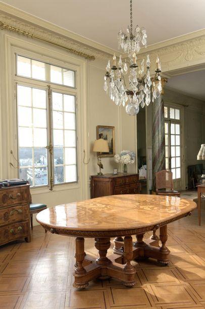Table de salle à manger en placage de bois...