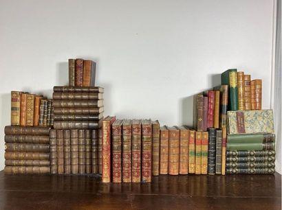 Ensemble de livres reliés dont Balzac, Voyages...