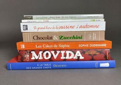 Sept livres de cuisine.
