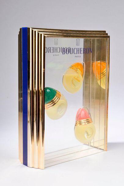 BOUCHERON (Années 1990).  Objet publicitaire décoratif se composant de trois flacons...