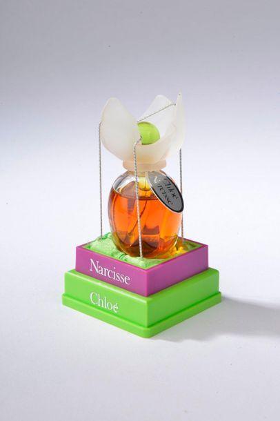 CHLOÉ.  Narcisse (années 1990).  Petit flacon en verre incolore à bouchon Narcisse...