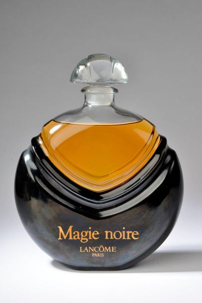 LANCÔME.  Magie Noire (années 1980).  Important...