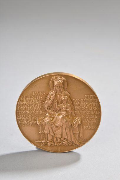 """H. DROPSY. """"VIIIe centenaire de Notre Dame de Paris, 1163-1963"""", médaille en bronze..."""