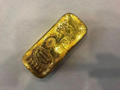 Lingot d'or n°397586. Poids : 995.2 g Avec...