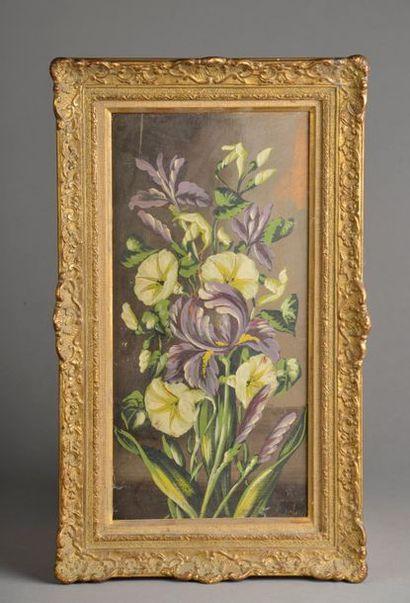 Ecole du XXe siècle. Bouquet d'iris et liserons....