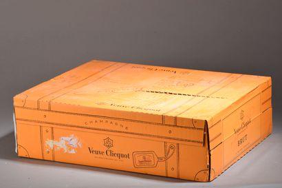 3 magnums CHAMPAGNE Veuve Clicquot