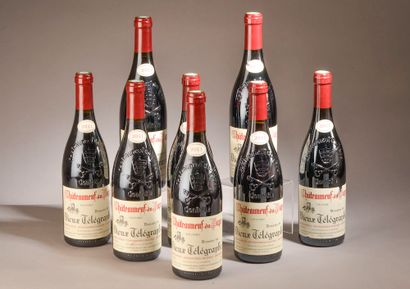 8 bouteilles CHÂTEAUNEUF-DU-PAPE Vieux Télégraphe...