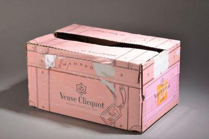6 bouteilles CHAMPAGNE rosé, Veuve Clicq...