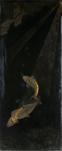 Jean DUNAND (1877-1942). Paravent « Carpes » à deux feuilles en laque noire. Décor...