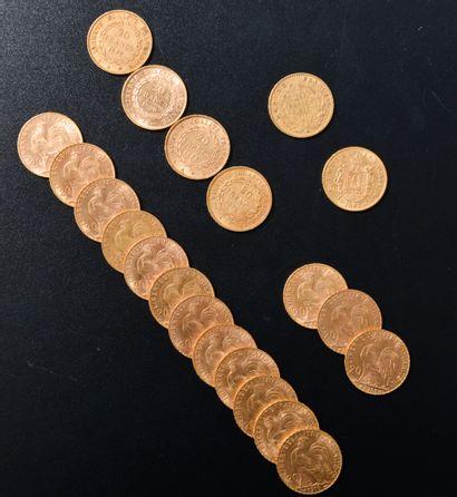 Ensemble de vingt-et-un 20 Francs en or...