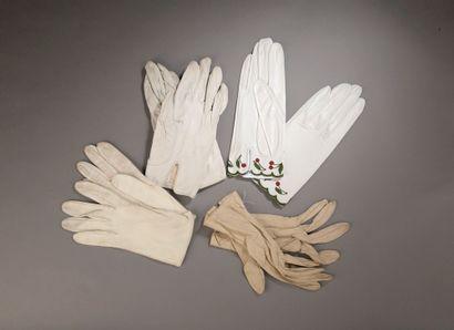 HERMÈS.  Paire de gants en cuir lisse et...