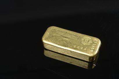 Lingot d'or numéroté 239450 pour 996,6 grammes...