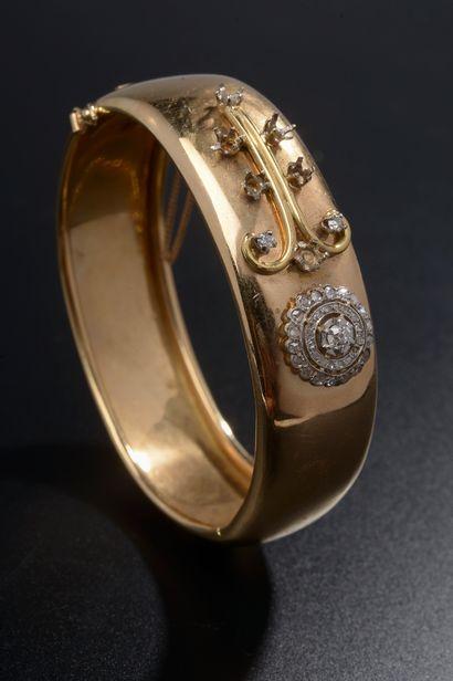 Bracelet jonc en or jaune 18k, rehaussé d'un...