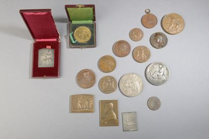 Ensemble de médailles comprenant :      ...