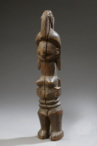 Poupée IGBO, Nigeria.    Bois.    Haut. :...