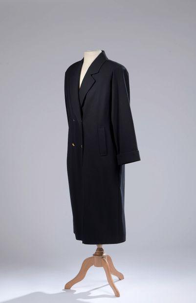 BURBERRY.  Manteau long en laine bleue marine,...