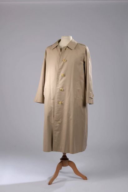 BURBERRY.  Raincoat in cotton gabardine,...