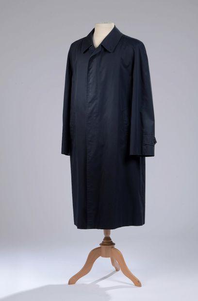 BURBERRY.  Trench-coat en gabardine de coton...