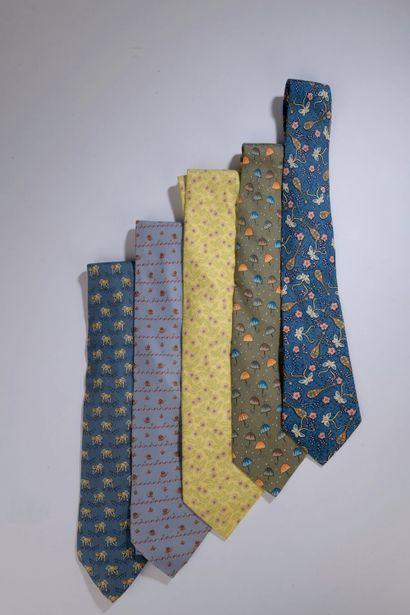 HERMÈS.    Five silk ties (wear on one, stains...